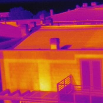 Indagine termografica sulla cortina di un edificio